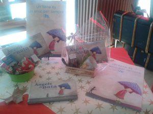 Àngels de nata, cestas preparadas para regalo con taza y rooibos estrella blanca.
