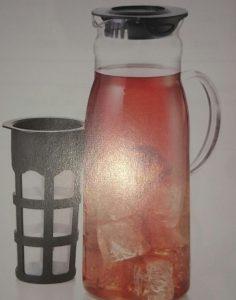 Preparar té frio sin calentar el agua. Con agua fria.